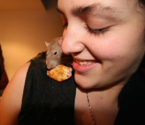 Shelley with her pet rat Tyrone
